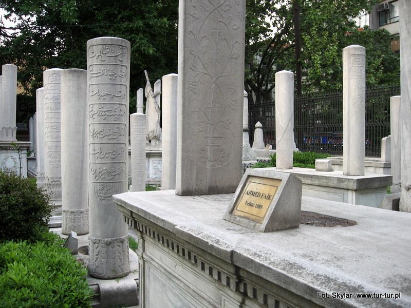 Groby - pomniki poważnych osobistości z czasów osmańskich - Stambuł