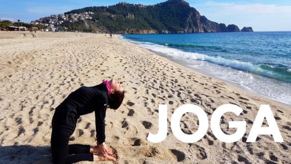 joga na plaży w Turcji